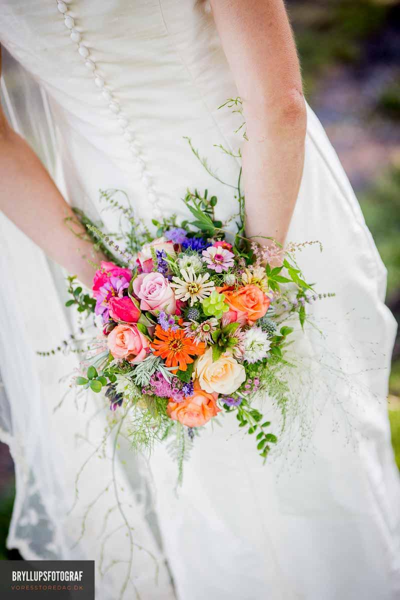 En bryllupsfotograf, der matcher jeres ønsker og stil, så I får den perfekte dag.