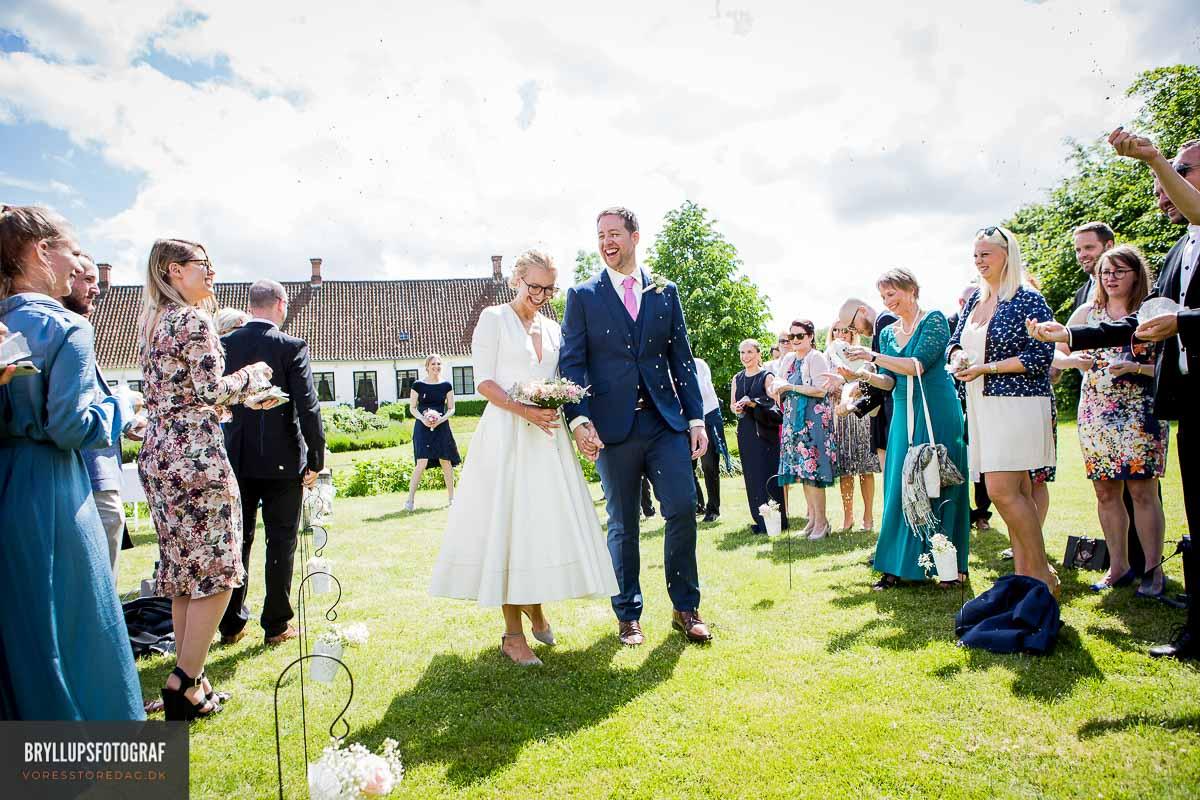 det smukke brudepar viet på Lindenborg Kro